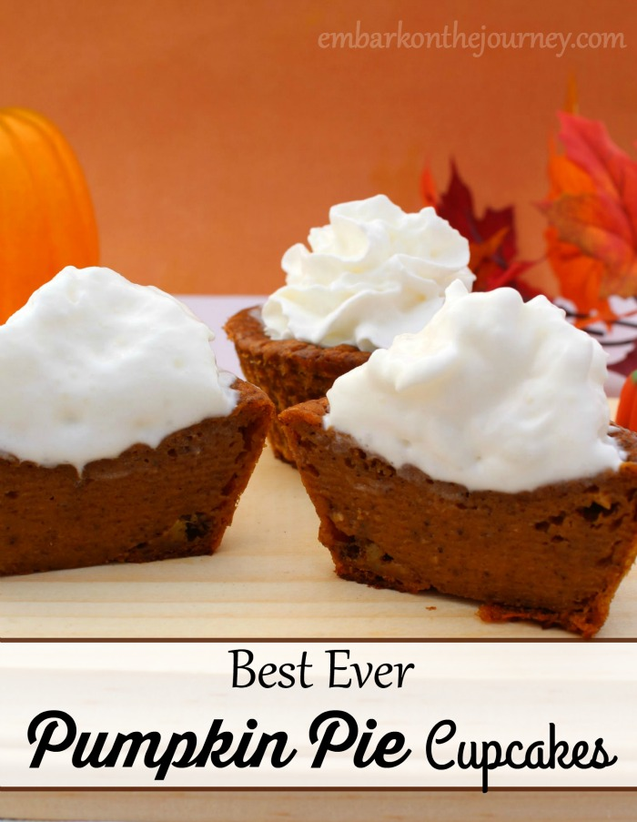 Everyone at your Thanksgiving celebration will be fighting for these Pumpkin Pie Cupcakes! | embarkonthejourney.com