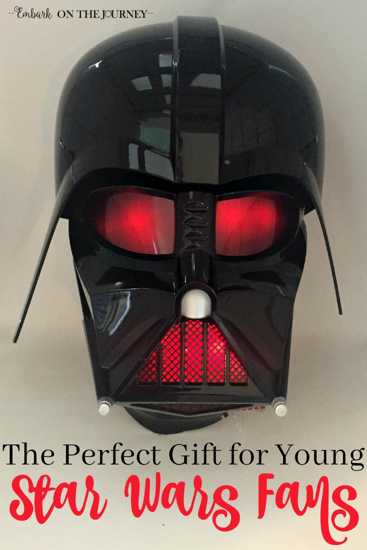 This 3D nightlight is the perfect gift for young Star Wars fans! | embarkonthejourney.com