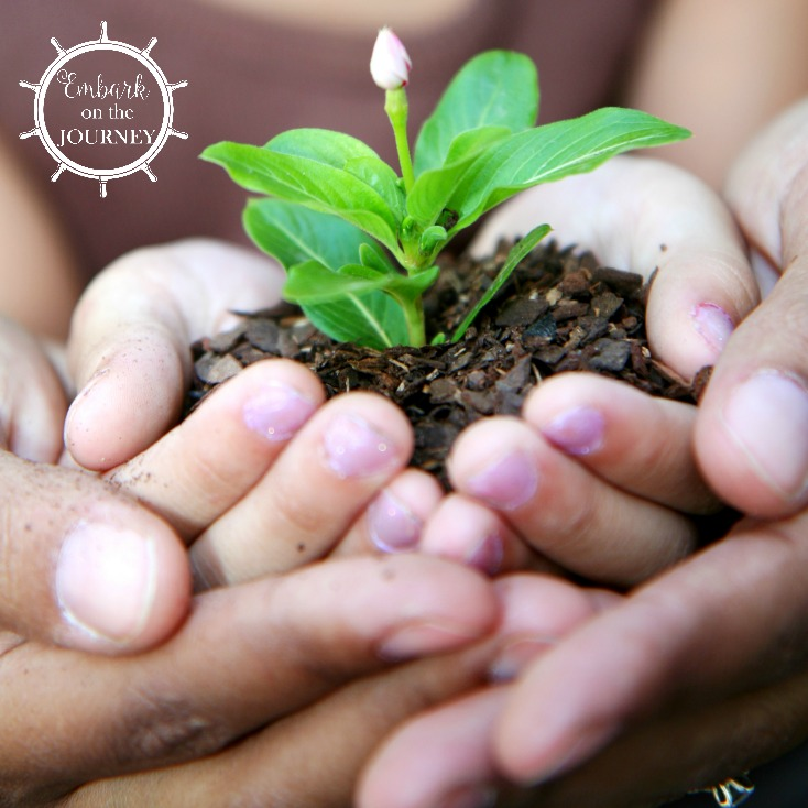 This Earth Day take your homeschooler out to do one of these five community service projects the whole family can participate in. | embarkonthejourney.com