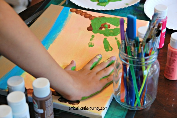 Easy Beach Art for Kids | embarkonthejourney.com